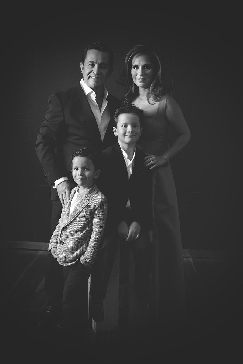 FAMILY PORTRAITS BY HOMERO ALEMAN 478