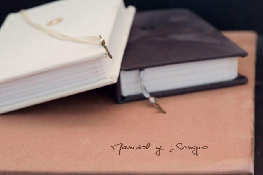 PHOTOBOOK BY HOMERO ALEMAN PHOTOGRAPHY - WEDDING BOOKS - PORTRAIT BOOKS - MODEL BOOKS - WEDDING ALBUM